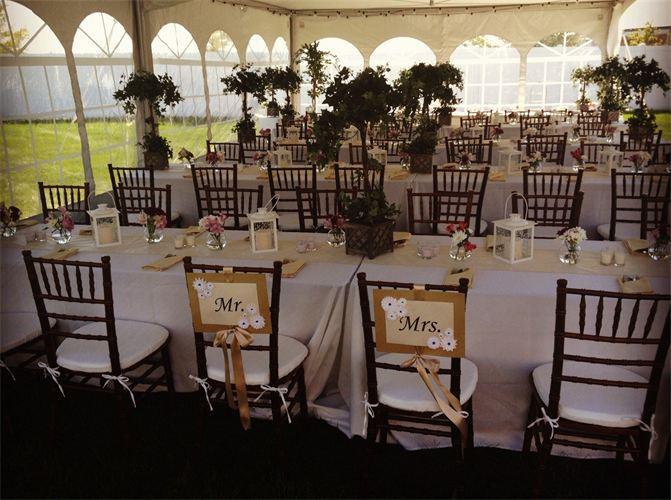 White Polyester Table Linen With Champagne Satin Napkins